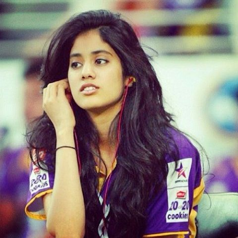 Jhanvi Kapoor Height, Age, Boyfriend, Family, Biography