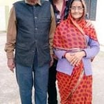 karan-sharma-with-his-parents