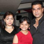 nimai-bali-with-his-wife-sahila-chadha-and-daughter-princess-bali
