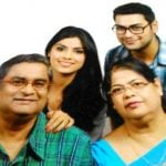 sayantani-ghosh-with-her-family