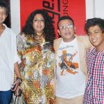 annu-kapoor-with-his-first-wife-anupama-and-sons