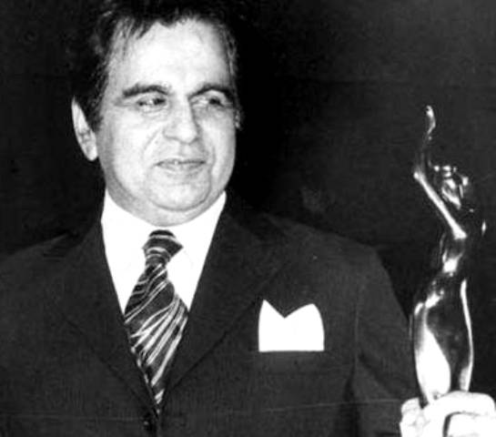 Dilip Kumar With A Filmfare Award