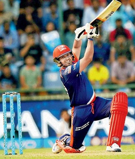 Karun Nair hitting a six at IPL 2016