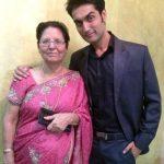 kunal-bakshi-with-his-mother-lokesh-bakshi