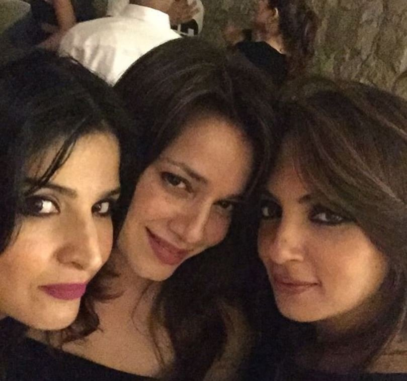Neelam Kothari with Maheep Kapoor and Seema Khan