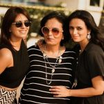 Roshni Chopra with mother Manju and sister Deeya