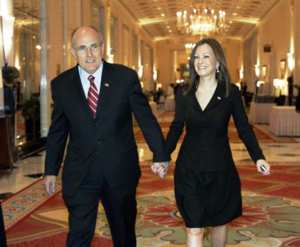 Giuliani  Rudy Wife Height, & Biography, Age, Weight, More