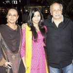 Shaheen Bhatt with her parents