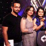 Sharvi Yadav with her family