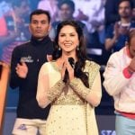Sunny Leone singing Indian national anthem