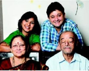 Swapnil Joshi with his parents and wife