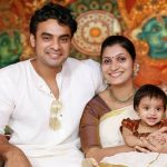 tovino-thomas-with-his-wife-and-daughter