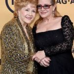 Carrie Fisher with her mother Debbie Reynolds