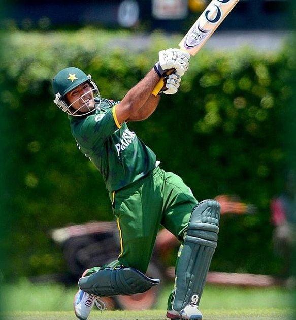 Cricketer Asad Shafiq Batting