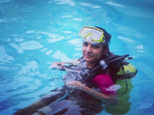 Jasmine Bhasin Doing Scuba Diving