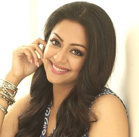 Jyothika Height, Weight, Age, Husband, Biography & More ...