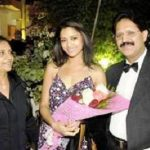 mamta-mohandas-with-her-parents