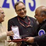 saurabh-shukla-with-national-award