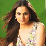 Shraddha Arya Height, Weight, Age, Affairs, Biography & More