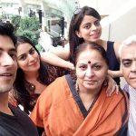shraddha-arya-with-her-family