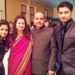 harshad-arora-with-his-family