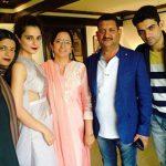 Kangana Ranaut With Her Parents And Siblings