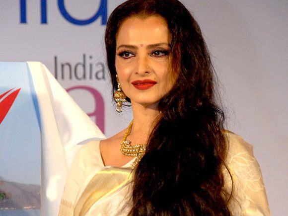 Rekha (Actress) Height, Age, Affairs, Husband, Family, Biography