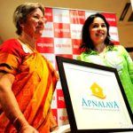 Anjali Tendulkar with her mother during Apnalaya event