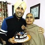 Binnu Dhillon mother