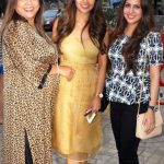 Esha Gupta with her mother and sister