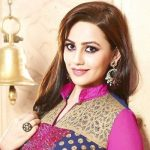 Esha Kansara Height, Weight, Age, Affairs, Biography & More