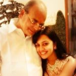 esha-kansara-with-her-father