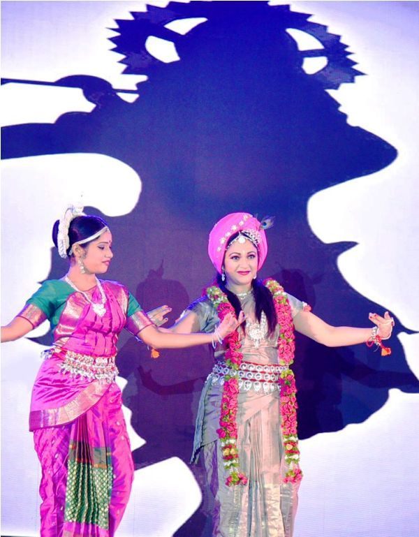 Gracy Singh Performing Indian Classical Dance