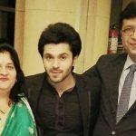 kunal-singh-with-his-parents