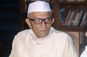 M Karunanidhi - Morarji Desai