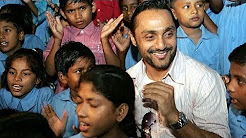 Rahul Bose working for his NGO The Foundation