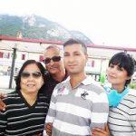 Sakshi Gulati with parents and brother