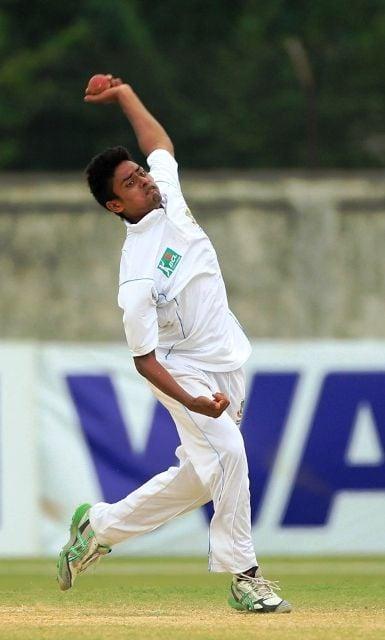 Taijul Islam bowling