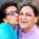 uppekha-jain-with-her-mother