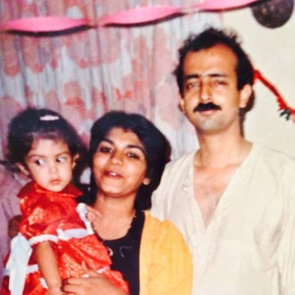 A Childhood Picture of Rhea Chakraborty With Her Parents