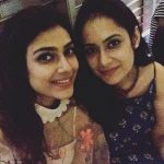 aakanksha-singh-with-her-sister-chayanika-singh