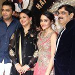aasiya-kazi-with-her-family