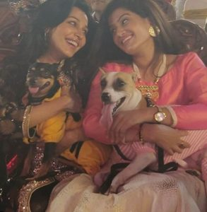 Flora Saini loves dogs