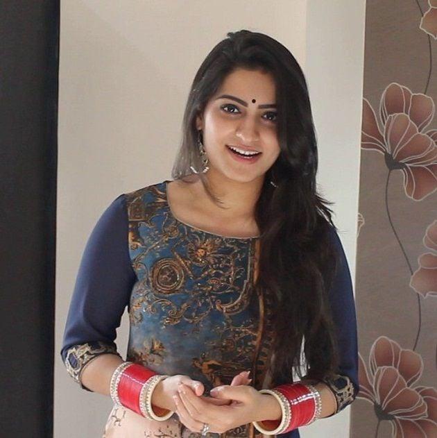 Manya Narang Singer