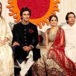 naina-bachchan-with-her-husband-and-parents