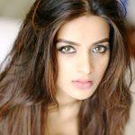 Nidhhi Agerwal (aka Nidhi Agarwal) Height, Weight, Age, Affairs, Biography & More