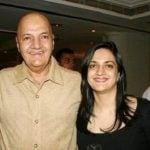 Uma Chopra husband Prem Chopra with her daughter Punita Chopra