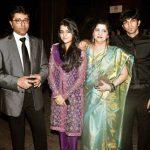 Raj Thackeray with his wife Sharmila, Son Amit, Daugher Urvashi