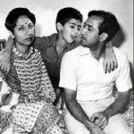 Rakesh Sharma With His Wife Madhu And Son Kapil