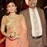 simran-kaur-hundal-with-her-father
